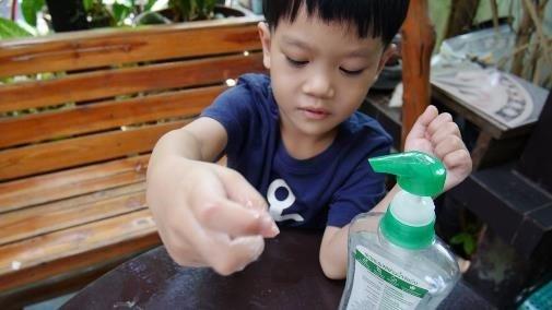 การทดลองวิทยาศาสตร์ที่แสดงให้เห็นถึงความสำคัญของการล้างมือด้วยน้ำและสบู่ 6