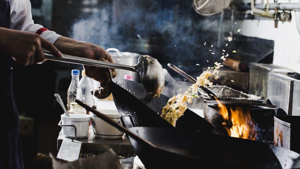 วิธีทำข้าวผัดให้อร่อยแบบพ่อครัวมืออาชีพตามหลักฟิสิกส์ 2