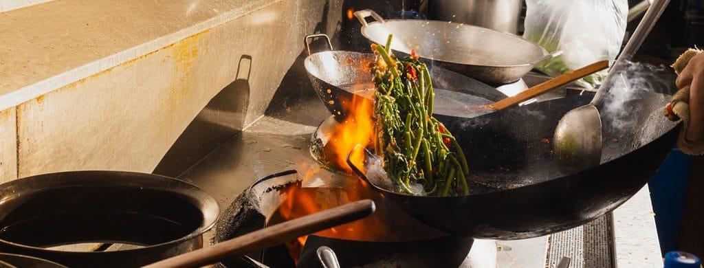 วิธีทำข้าวผัดให้อร่อยแบบพ่อครัวมืออาชีพตามหลักฟิสิกส์ 3